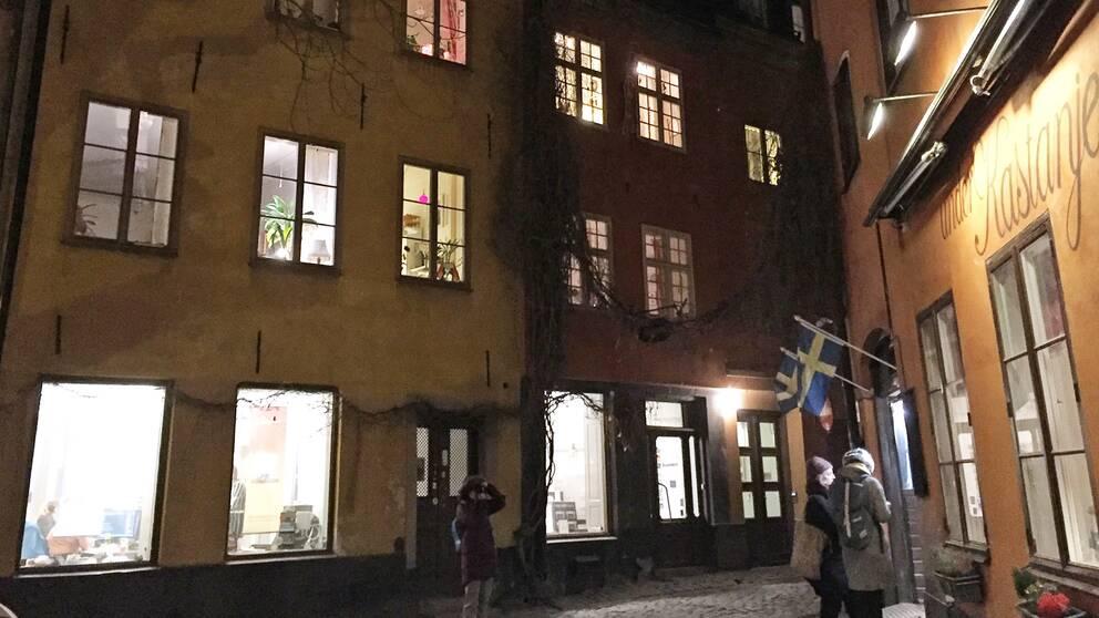 Svenska tvaor i natt