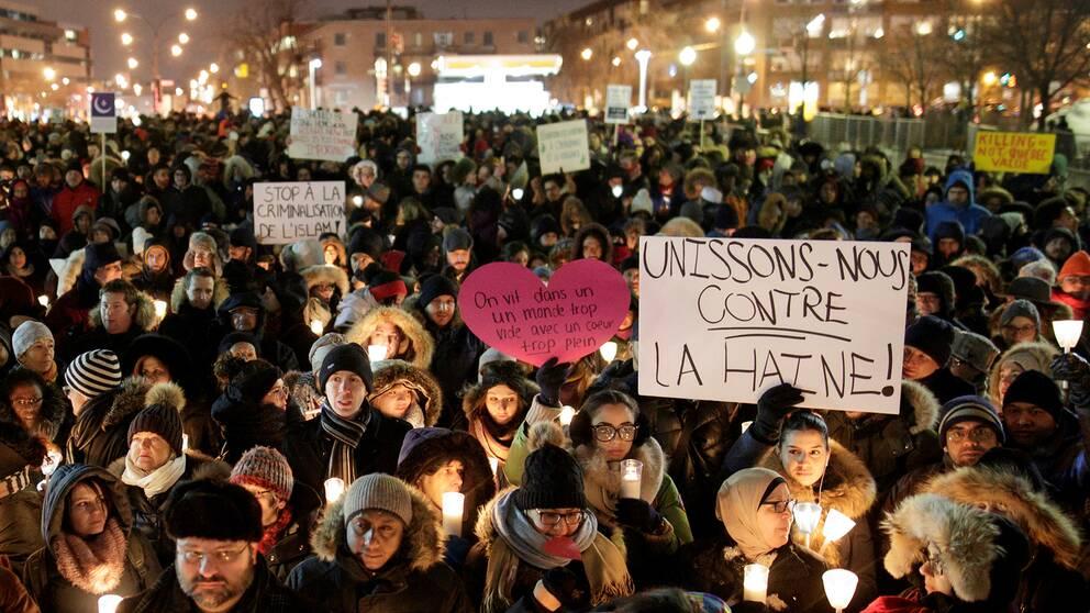 Arkivbild från en manifestation i Québec i Kanada för de sex personer som skjöts ihjäl på en moské januari 2017.