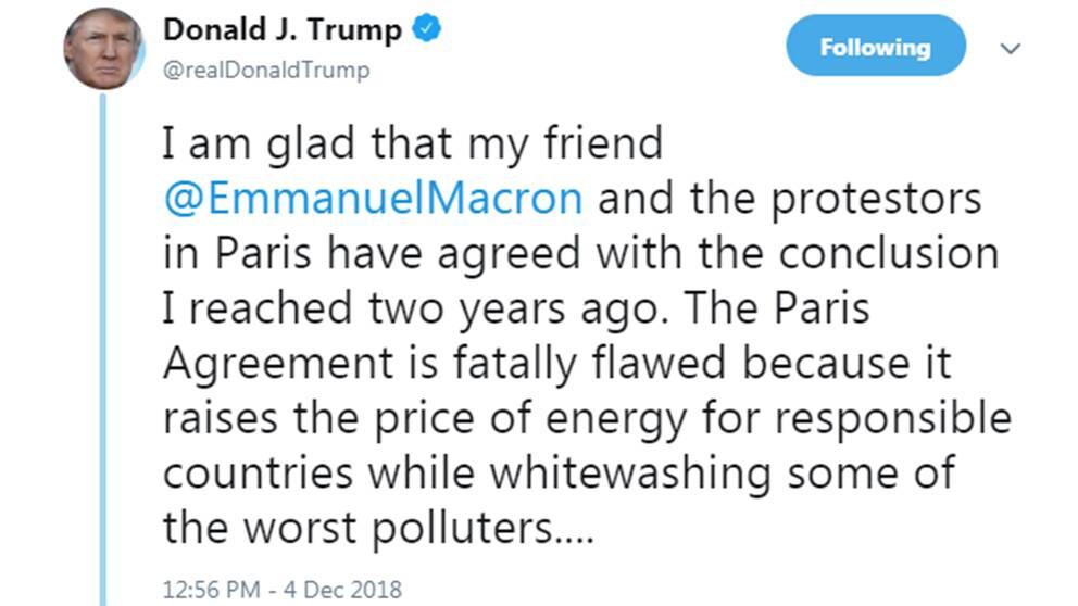 USA:s president twittrade i positiva ordalag efter beskedet från regeringen i Paris om att man backar planerade höjningar på bränsleskatt.