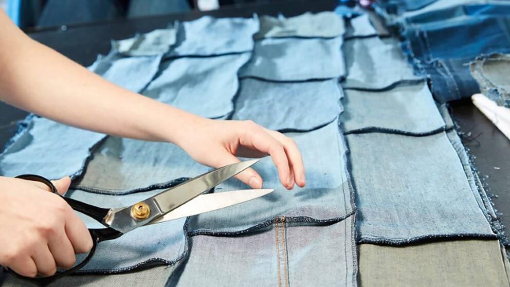 I ett projekt samarbetade Textilhögskolan med en modekedja för att skapa nya plagg av osålda jeans