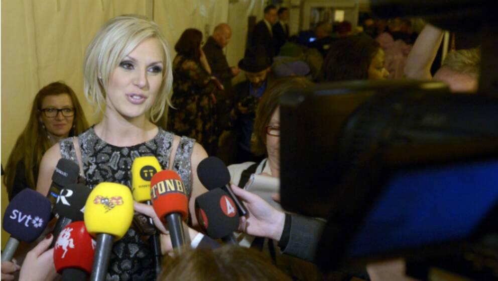 Sanna Nielsen mötte svensk media någon timme efter att Conchita Wurst utropats som segrare.