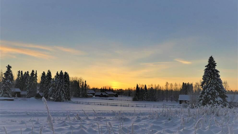 Mer än så såg vi inte av solen idag klockan 11:20 norr om polcirkeln i Junosuando Norrbotten.