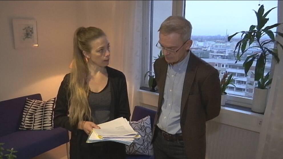 SVT:s reporter Anna-Klara Bankel träffar psykiatrichef Svante Nyberg.
