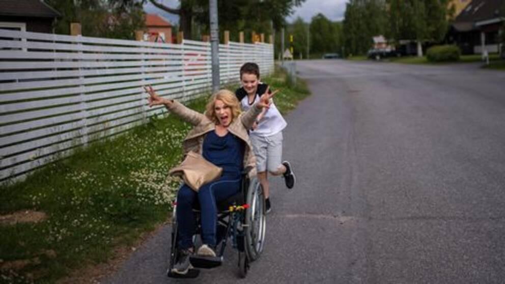 Ida Boström i rullstol