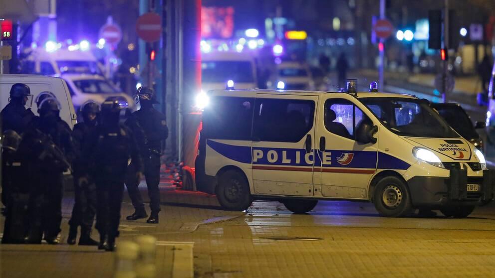 Polisen under jakten på mannen på torsdagskvällen.