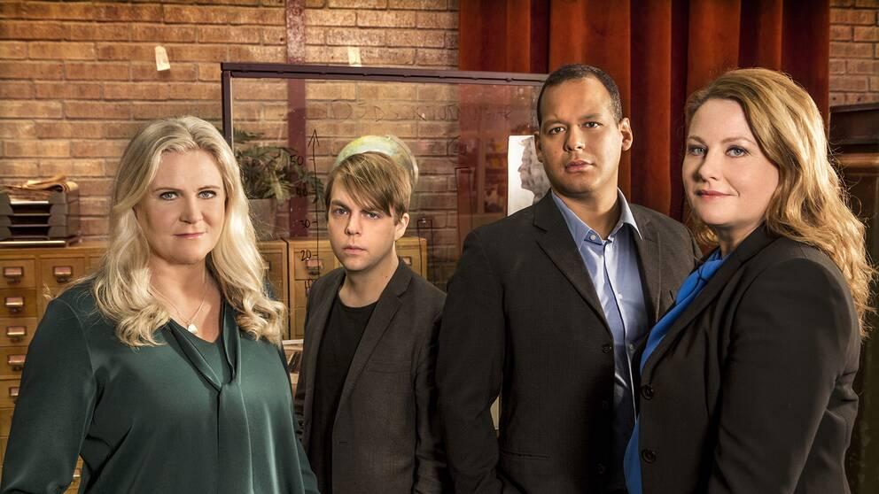 Från vänster: programledare Camilla Kvartoft, kriminolog Christoffer Carlsson, polis John Franco och advokat Johanna Björkman.