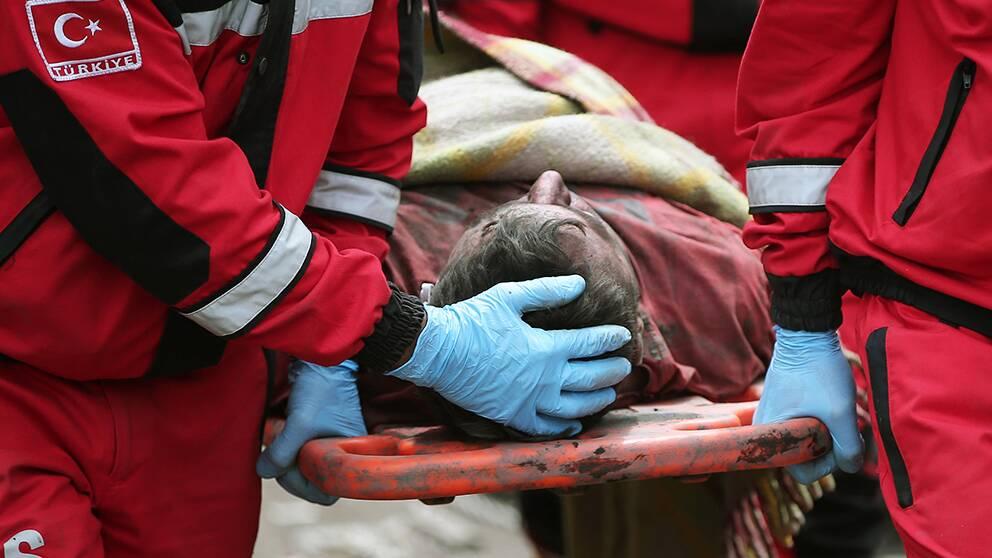 Enligt det turkiska gruvbolaget Soma Komur har nästan 450 av gruvarbetarna räddats efter den dödliga olyckan.