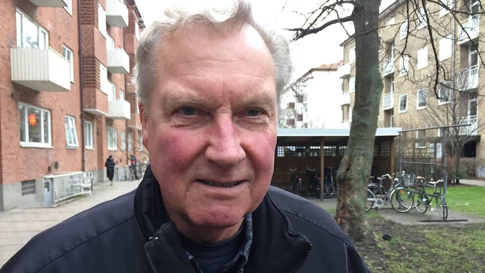Fastighetsägaren Bertil tycker det är synd att tråkigheter händer men är glad att ingen person kom till skada.