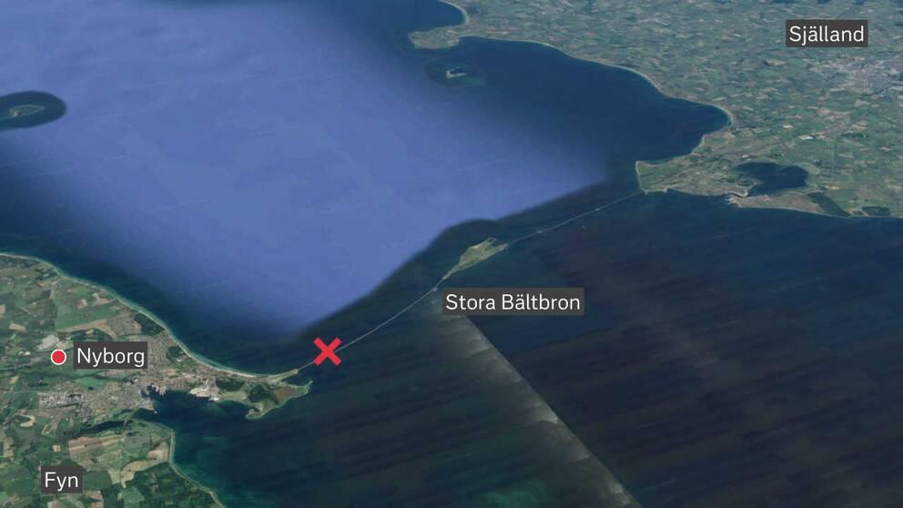 Olyckan inträffade nära brofästet vid staden Nyborg på ön Fyn.