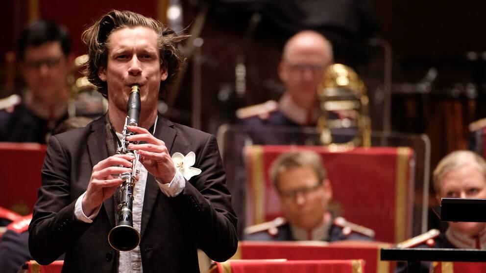 Klarinettisten Magnus Holmander blir den första pristagaren någonsin att få det nyinstiftade Blåsmusikpriset.