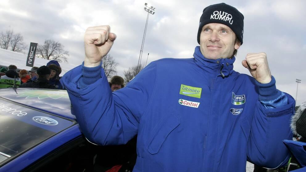 Finländaren Marcus Grönholm gör comeback. Här ses han på Svenska rallyt i Karlstad 2007.