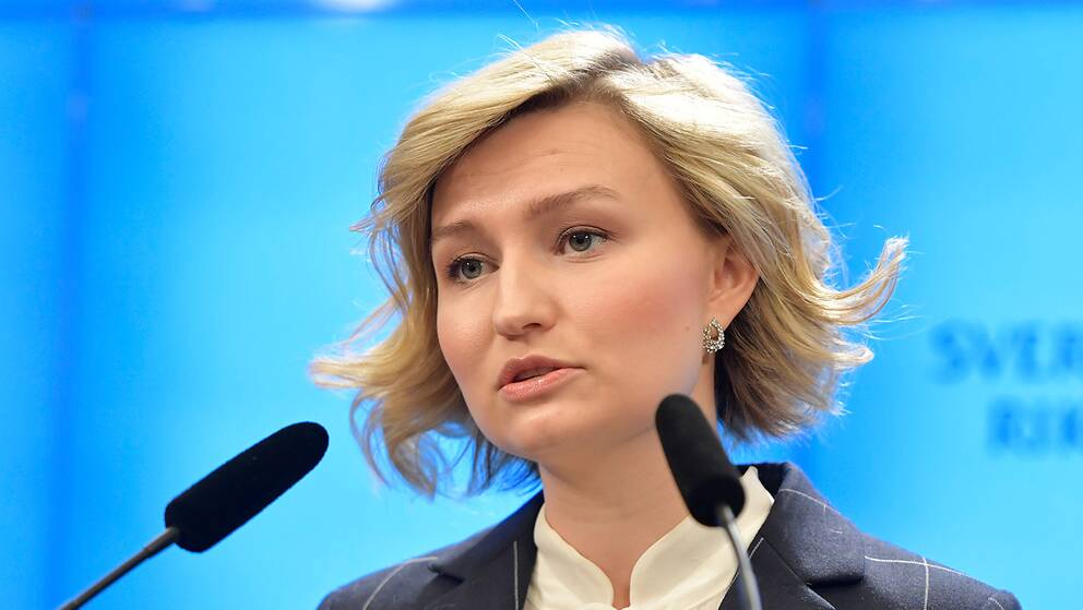 Ebba Busch Thor håller presskonferens efter sitt möte med talmannen.