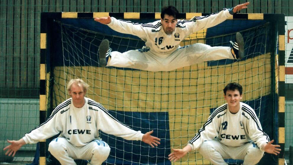 Mats Olsson, Tomas Svensson och Peter Gentzel, målvakt Sverige.