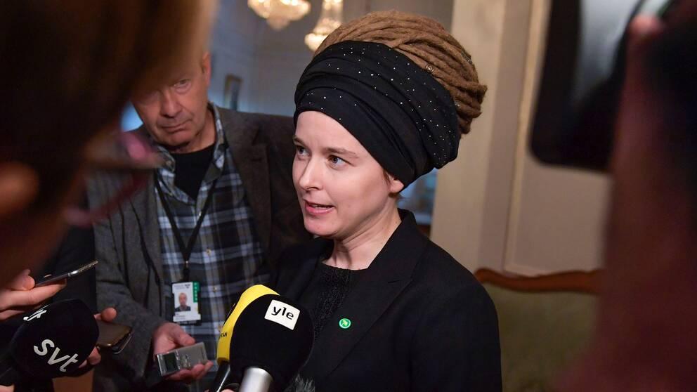 Kulturminister Amanda Lind (MP) berättar nu om det kritiserade inlägget.
