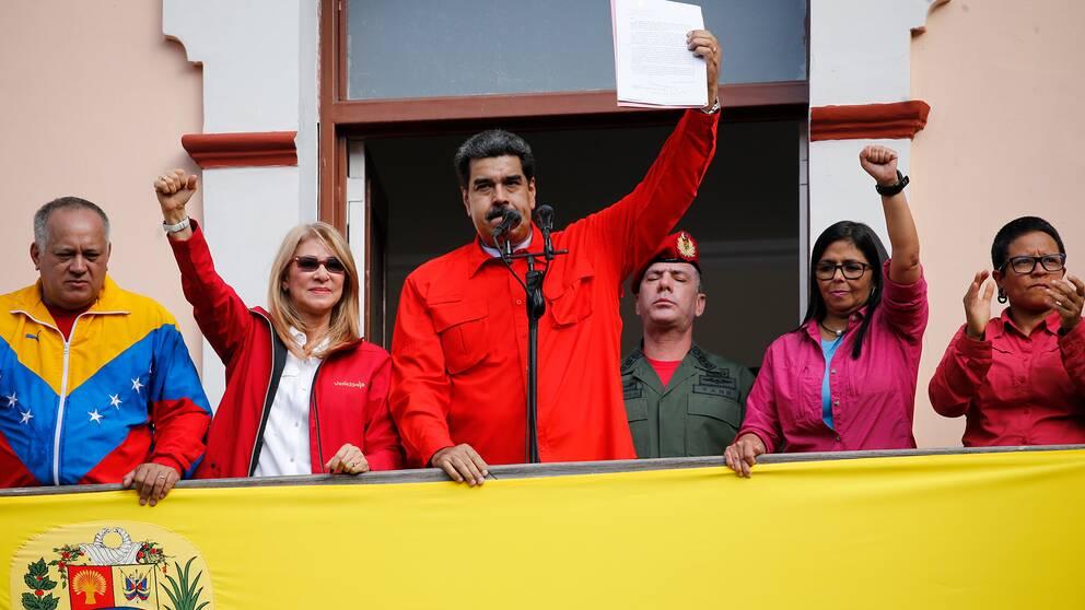 Venezuelas president Nicolas Maduro meddelar att landets relationer med USA fallit isär.