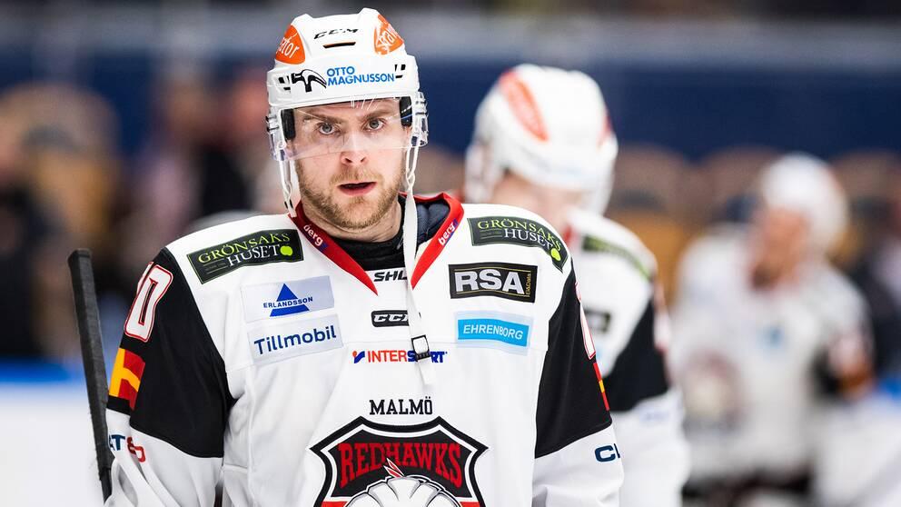 Backen Nichlas Torp lämnar Malmö Redhawks, dit han kom i höstas.
