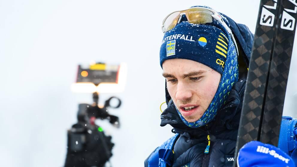 Sveriges Viktor Thorn intervjuas efter söndagens herrstafett i Ulricehamn.
