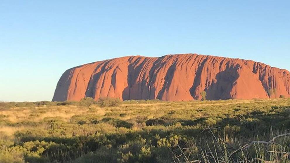 Det var 38 grader varmt när Helen Tronstad besökte Uluru som också kallas Ayers Rock i Australien.