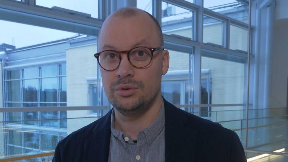 Håkan Forsberg, lektor i utbildningssociologi, förklarar varför skolorna blir segregerade