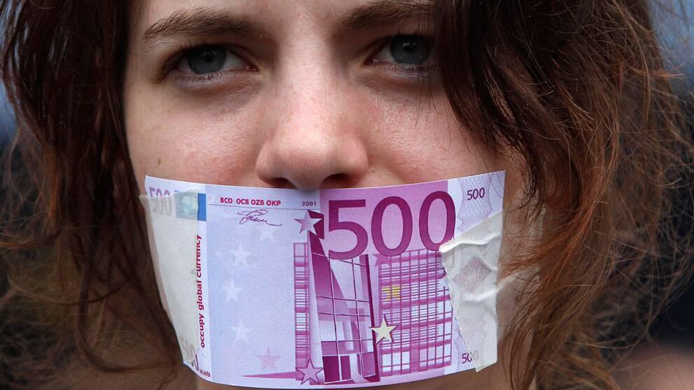 Drygt hälften av tyskarna tror att landet klarat sig bättre utan euron.