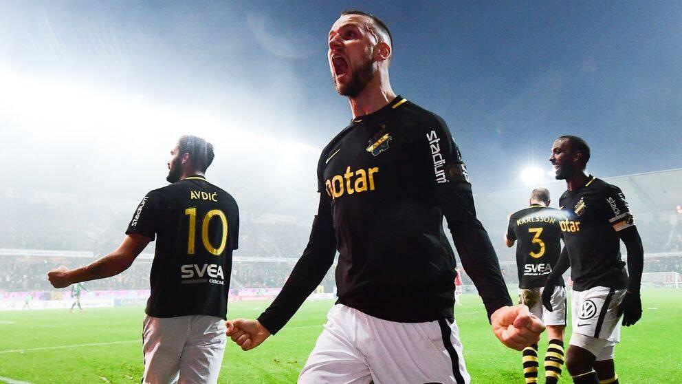 Alexander Milosevic lämnar svenska mästarna AIK för spel i England och Nottingham Forest.