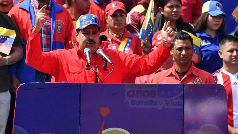 Venezuelas president Nicolás Maduro håller tal.