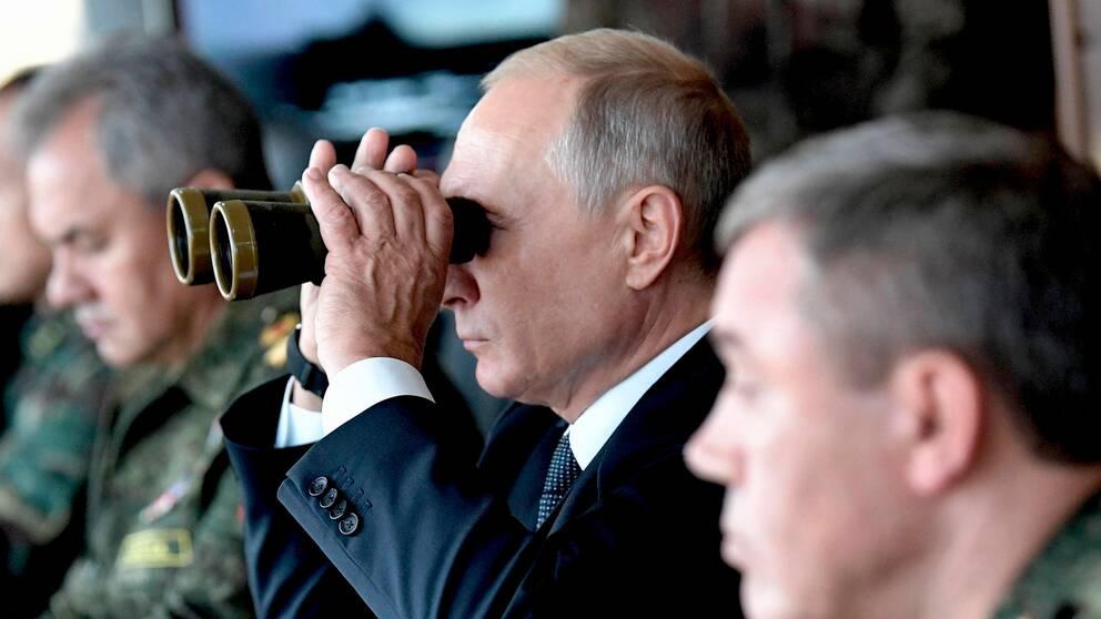 """Rysslands president Vladimir Putin på övningsfältet """"Telemba"""" i östra Sibiren den 13 september 2018 för att övervaka militärövningen Vostok 2018. Den uppgav vara den största ryska övningen på 40 år."""