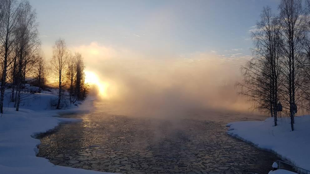 Skellefteälven 5 februari kl 9.07 -25 grader strålande sol efter flera dagars snöoväder!
