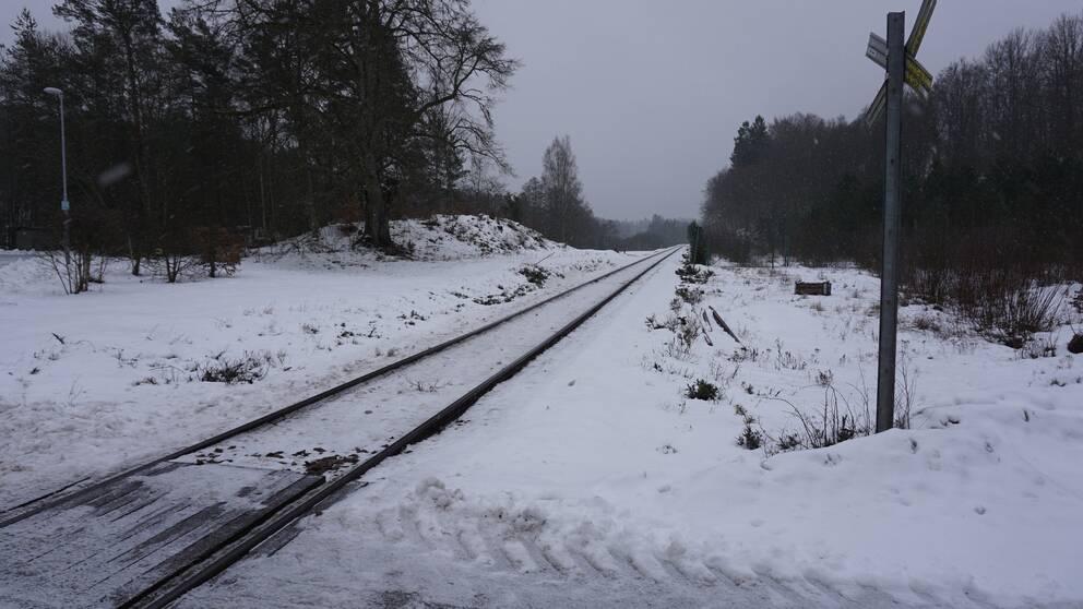 På Spettvägen i Vilshult finns en osäker järnvägsövergång.