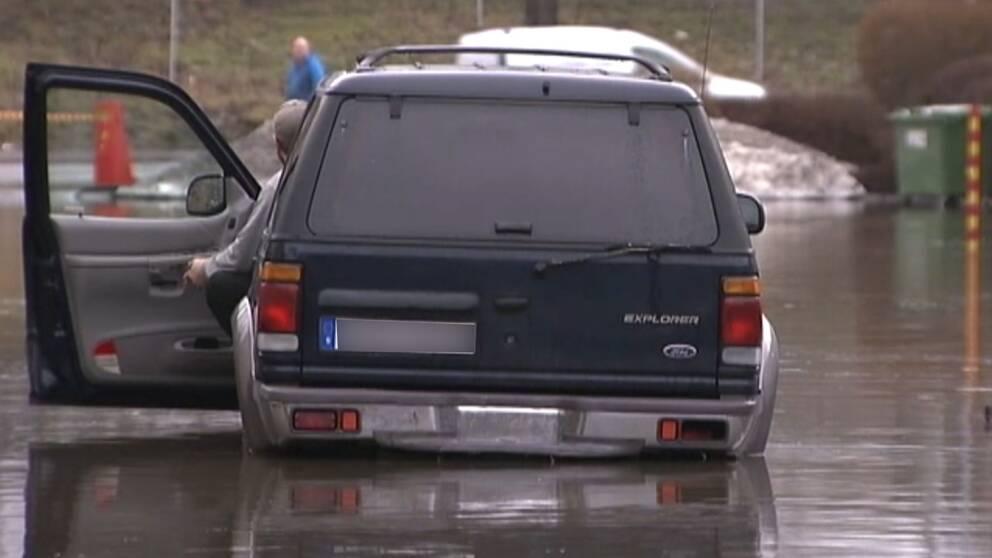 Jonas Svensson: Vi fick motorstopp och kunde sedan inte starta bilen igen.