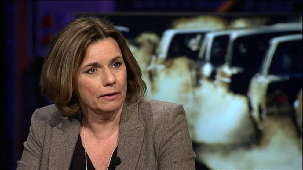 """""""Det ska vara lätt att göra rätt"""", säger Isabella Lövin (MP) om den nya klimatpolitiken."""