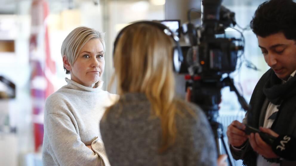 Anna Johansson (S), ordförande i Socialdemokraterna Göteborg, mötte pressen under måndagen för att berätta om avgångskraven mot gruppledaren Ann-Sofie Hermansson