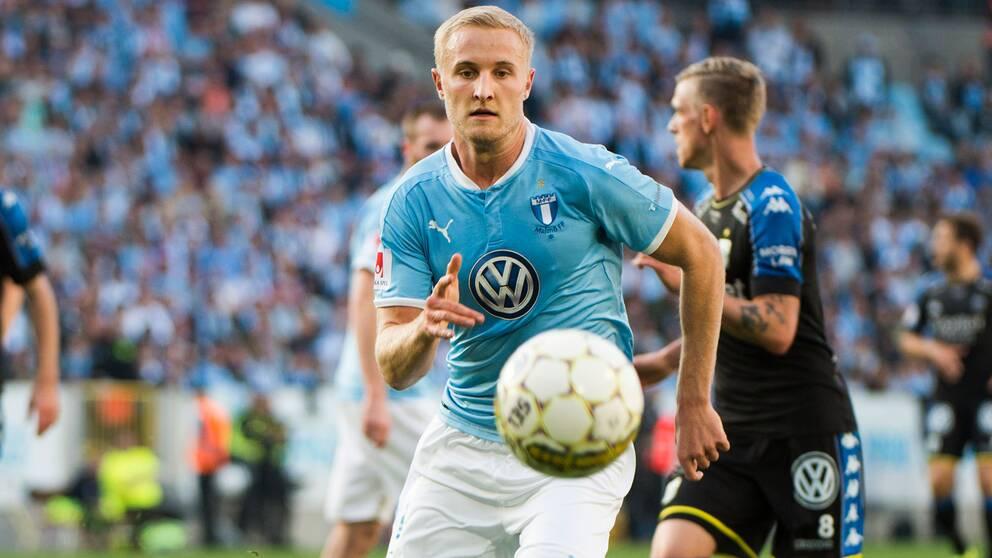 Franz Brorsson missar MFF:s match mot Chelsea.