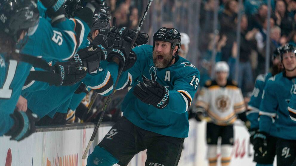 Joe Thornton firar mot Boston