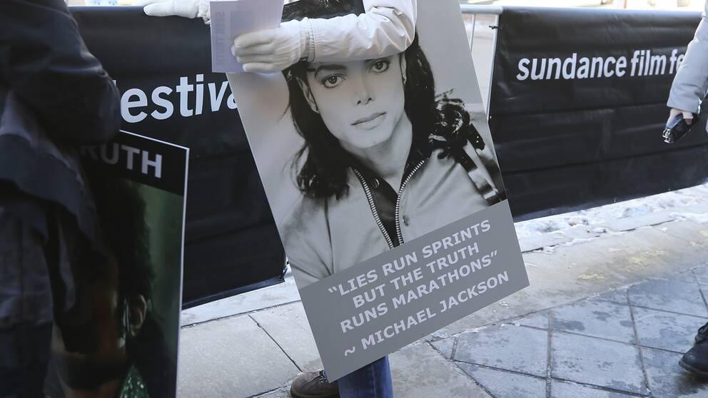 """Michael Jackson-fans protesterade när dokumentären """"Leaving Neverland"""" hade premiär under Sundancefestivalen tidigare i år."""
