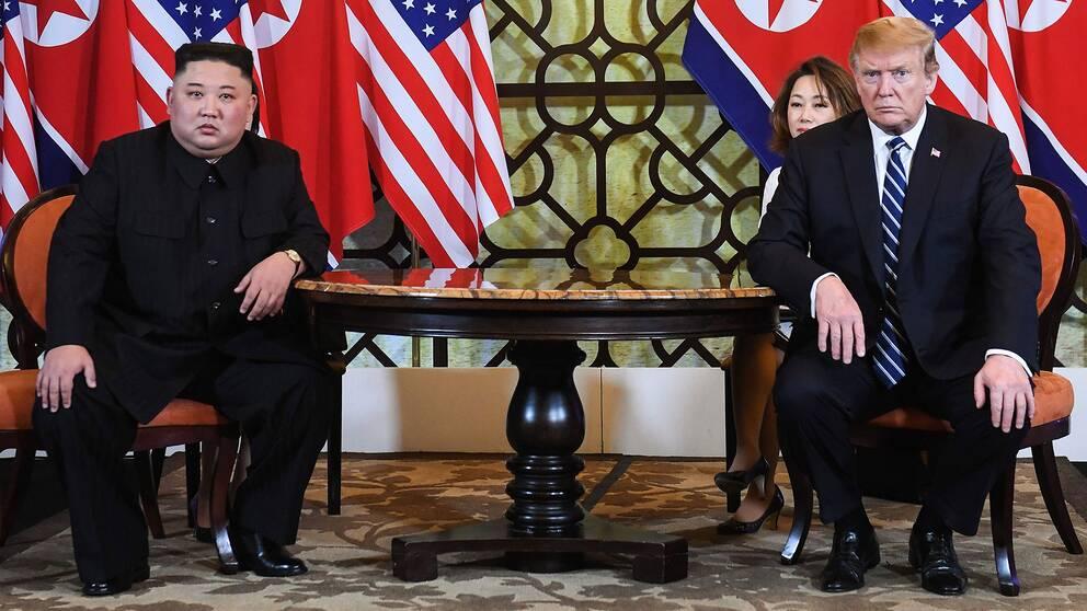 Kim Jong-Un och Donald Trump vid toppmötet i Hanoi 28 februari 2019.