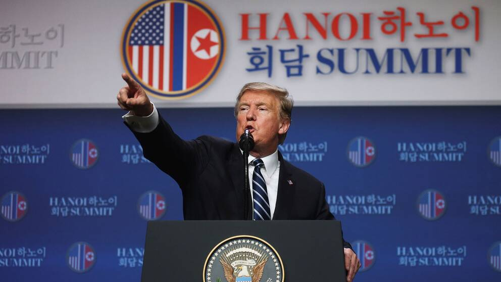 Donald Trump håller presskonferens efter det avbrutna toppmötet