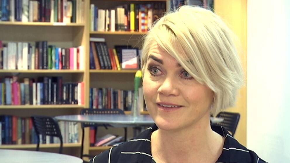 Marie-Charlotte Bäckström, rektor på Praktiska gymnasiet i Växjö. Kvinna med blont hår