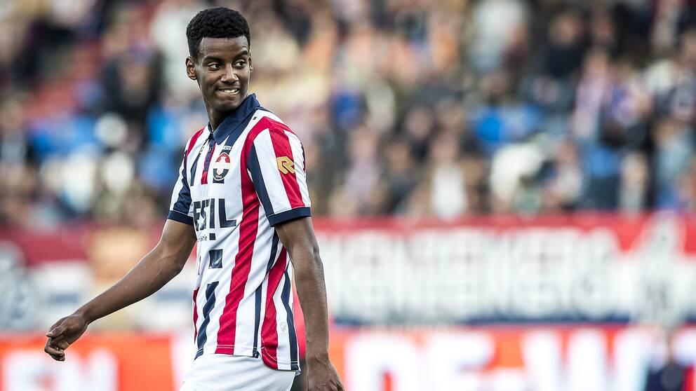 Alexander Isak visar fin form i holländska ligan.