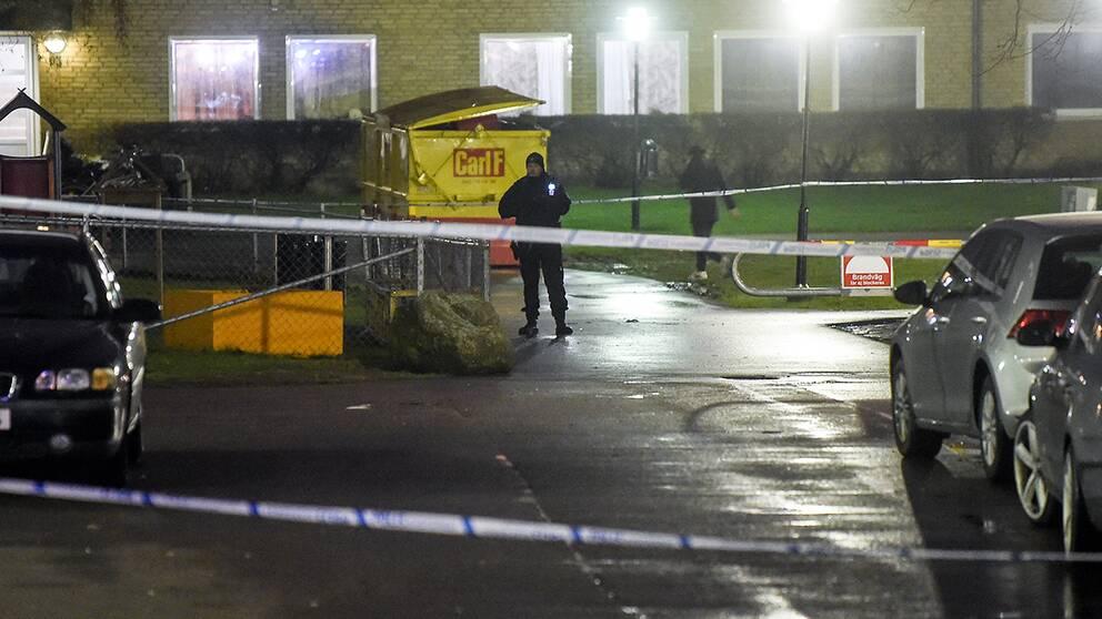 Misstänks ha beställt två mord – fördes till Sverige igår
