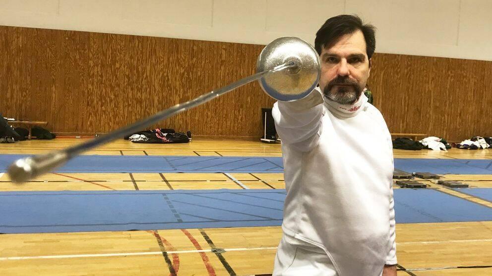 Björn Levin, major på R3-skolan i Halmstad, har fäktats i ungefär 20 års tid.