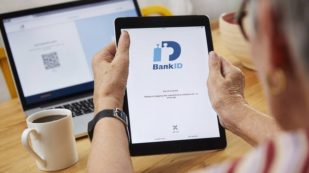 Bankbedrägerier mot äldre ökade kraftigt förra året. Arkivbild.