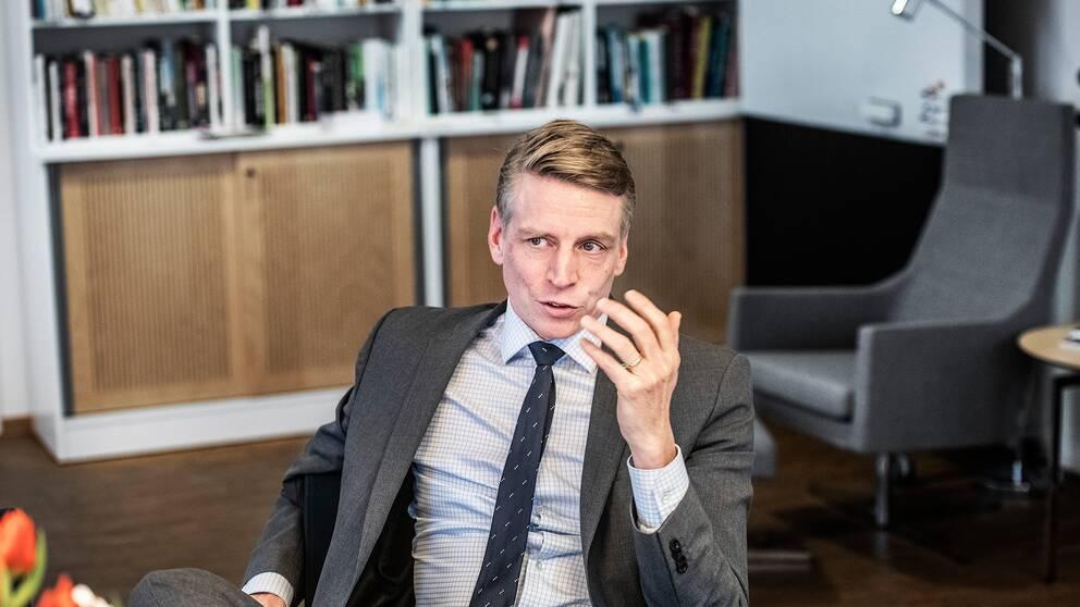 Regeringen återinför investeringsstödet för bostäder redan i vårbudgeten, meddelar Bostadsminister Per Bolund (MP) i Ekots lördagsintervju. Arkivbild.