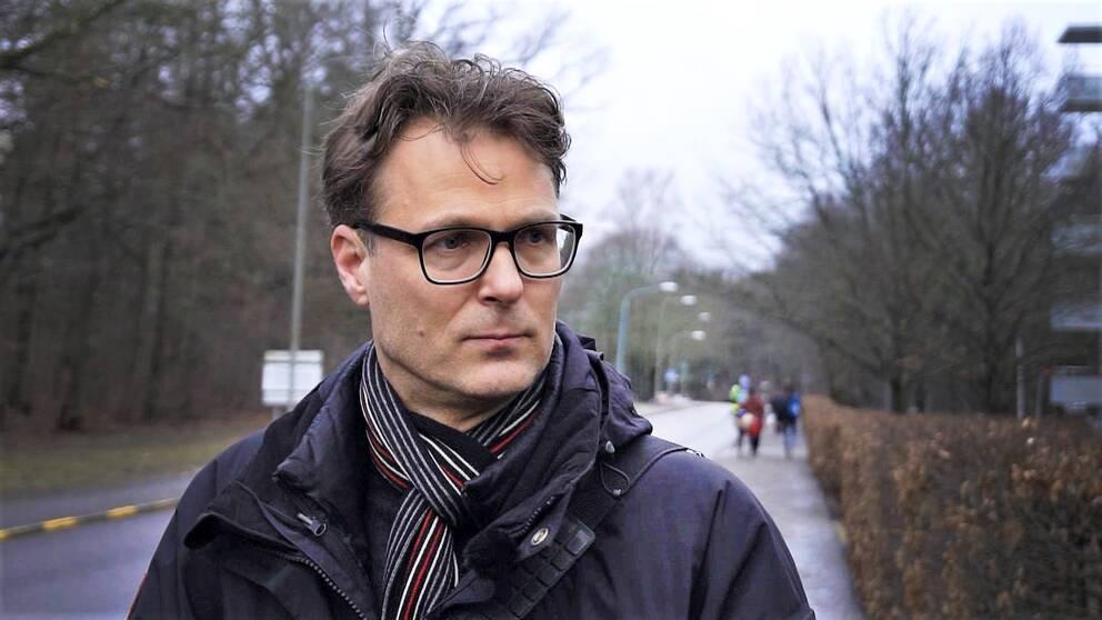 Anders berättar i SVT:s Veckans brott om hur hans 12-årige son rånades och misshandlades på väg till träningen