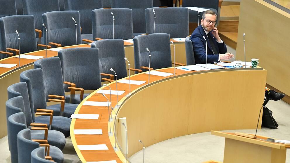 Inrikesminister Mikael Damberg (S) under Riksdagens debatt om hantering av IS-återvändare.