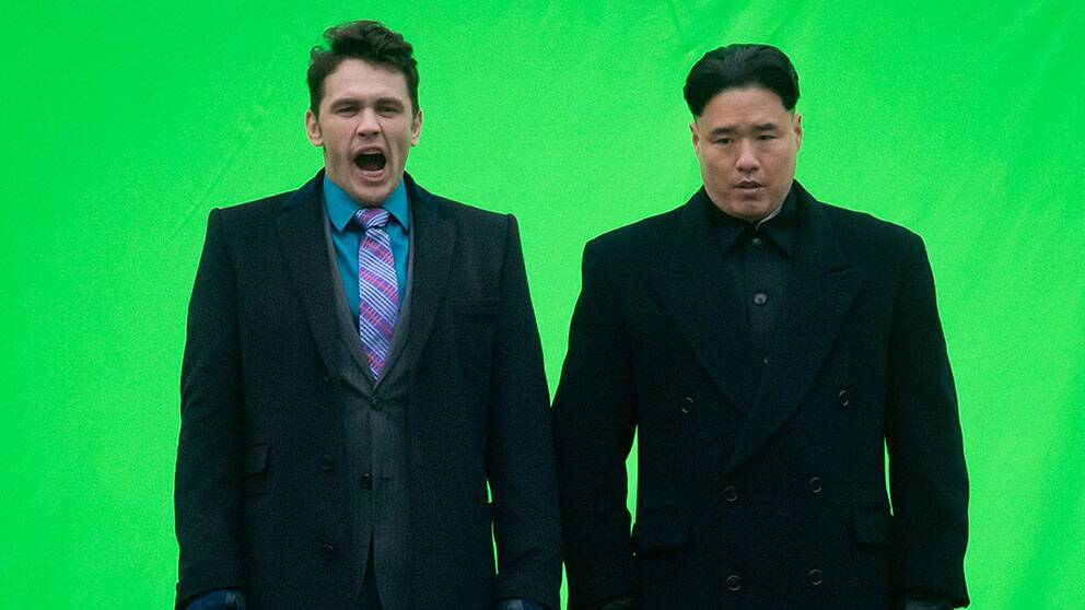 Skådespelaren James Franco under inspelningen tillsammans med skådespelaren som spelar Nordkoreas ledare Kim Jong-Un
