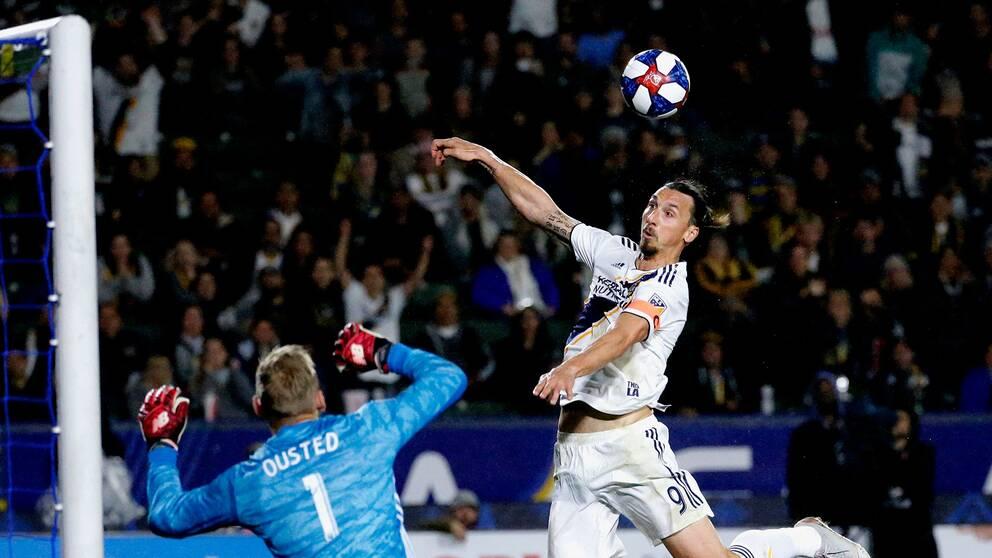 L.A Galaxy möter Portland på söndag nästa vecka. Tränaren Guillermo Barros Schelotto tror att Ibrahimovic kommer att vara redo att spela tills dess.