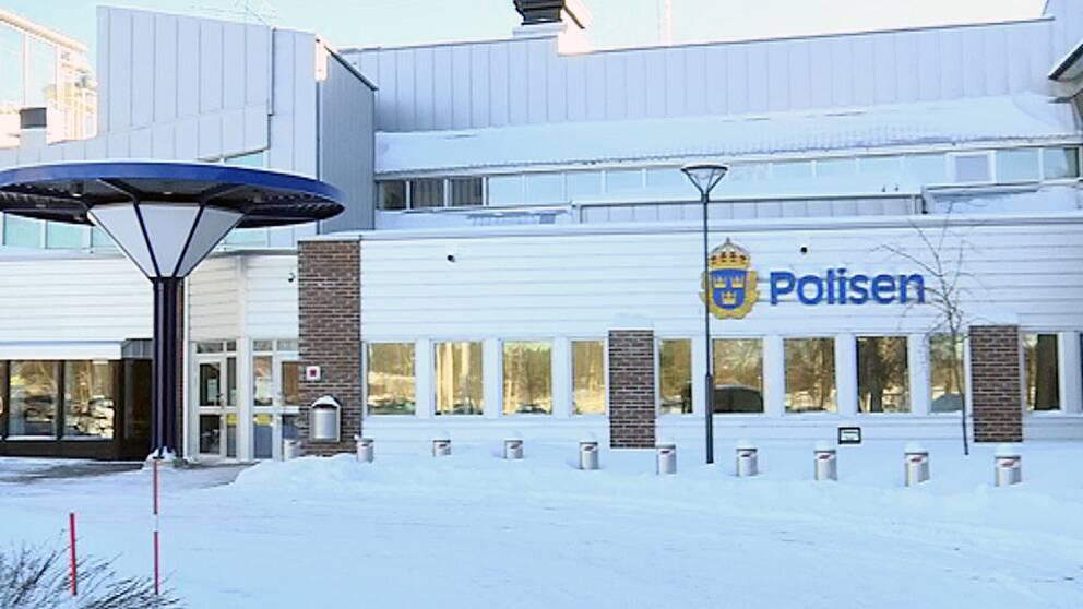 Polishuset i Umeå vintertid