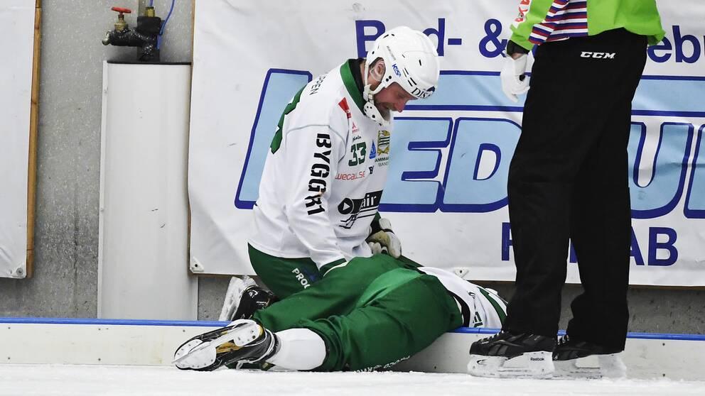 Ivan Lebedev och hans Hammarby riskerar att degraderas från elitserien.