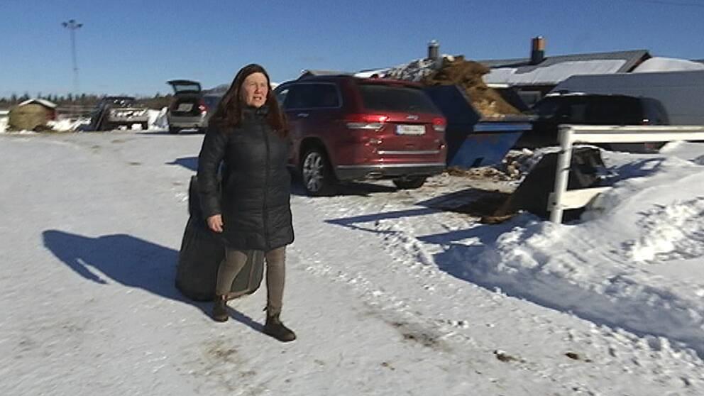 Anna-Karin Nordvall bor i byn Sakajärvi och nu lämnar hon Gällivare för Skåne när gruvverksamheten expanderar.